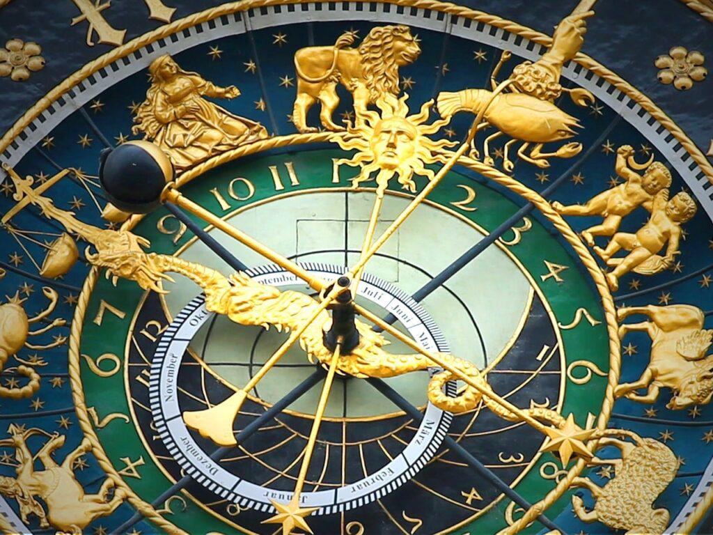 astronomical clock 408306 1280