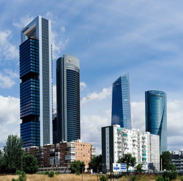 mejor precio de transfer y taxi desde el aeropuerto al centro de Madrid