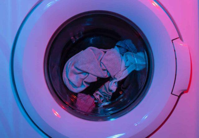 Cómo lavar una camiseta estampada