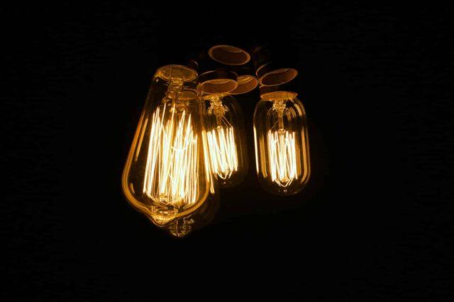 5 Claves para ahorrar en las facturas de la luz en 2021